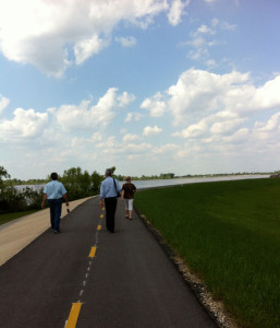 walkingriveroad