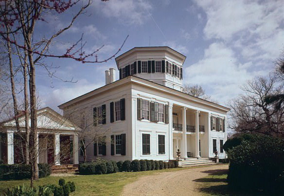 10 Haunted Southern Mansions To Visit If You Dare Deep